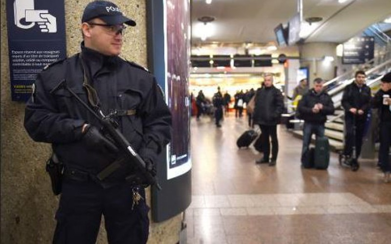 France needs to monitor about 3,000 with jihadist links, PM warns
