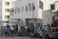 Car bomb hits hotel in Somali capital: police