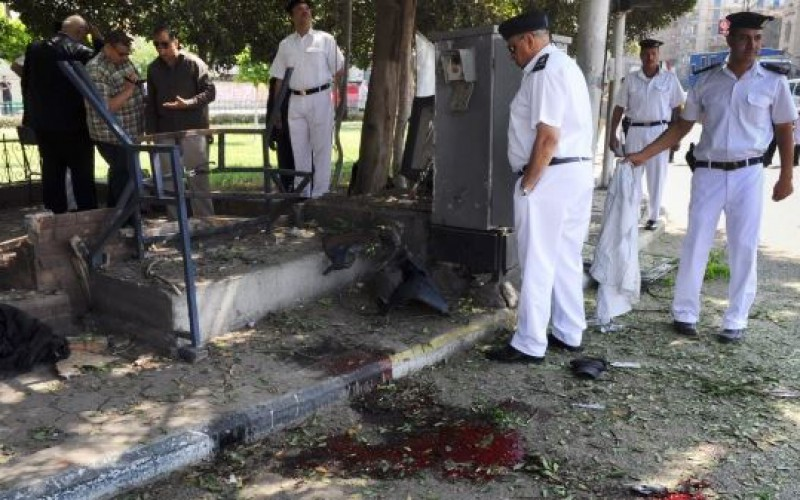 Bomb kills 3 Egyptian cops, injures 5 others in restive Sinai
