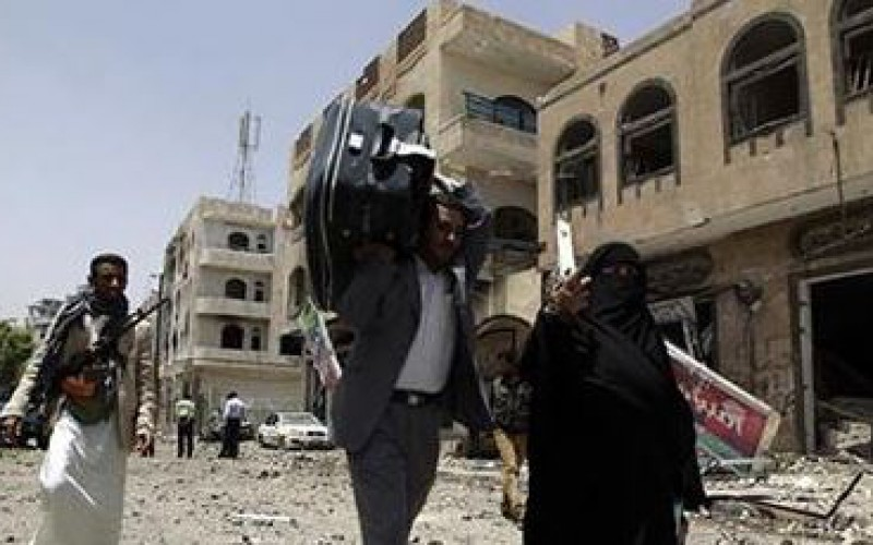 70,000 Yemenis flee war-wracked city
