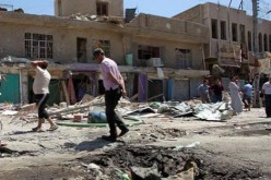 Iraq: bomb attacks near Iraqi capital kill 5, injures 12