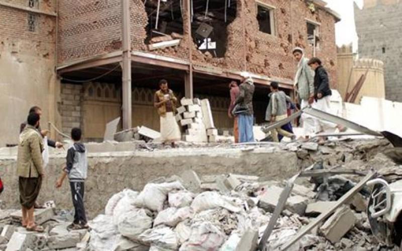 Yemen: saudi warplanes hit allied Yemeni militants by mistake, kill 12