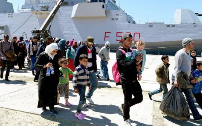 Thousands of desperate migrants en route to the EU since Saturday