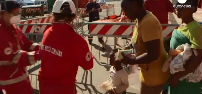 Italy: More than 1,500 migrants arrive in Sicily and Sardinia