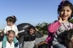 Bulgarian police find nealry 130 refugees in refrigerated truck