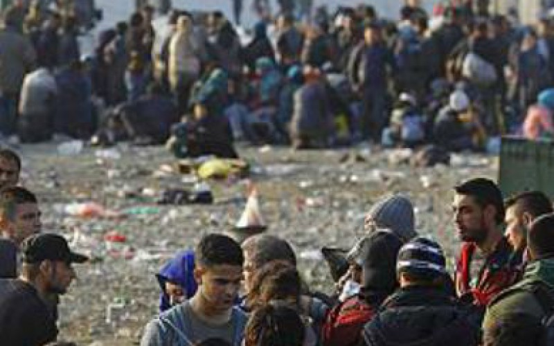 Aid agencies fear for thousands of migrants with new border controls in western Balkans