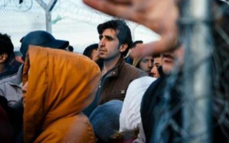 More than 30,000 stranded migrants in Greece in miserable conditions