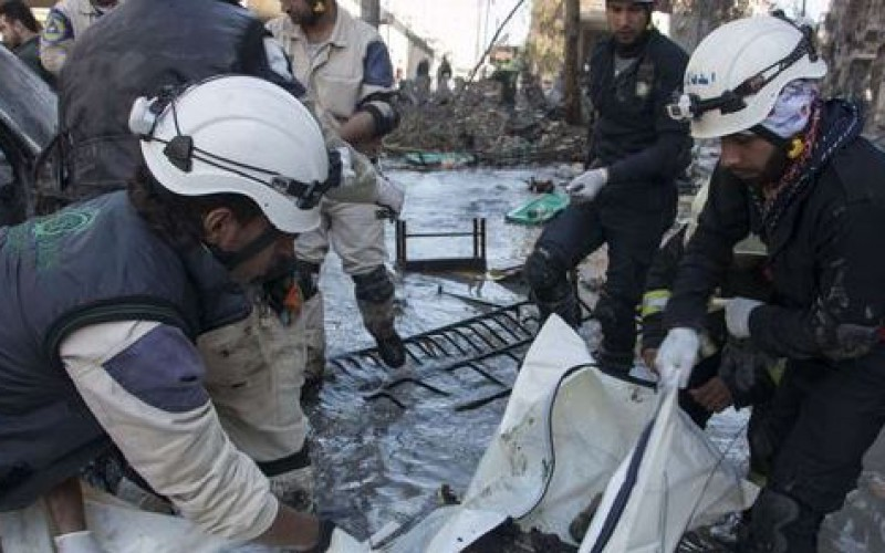 Syria: a refugee camp bombed, more than 220 000 dead since the conflict began