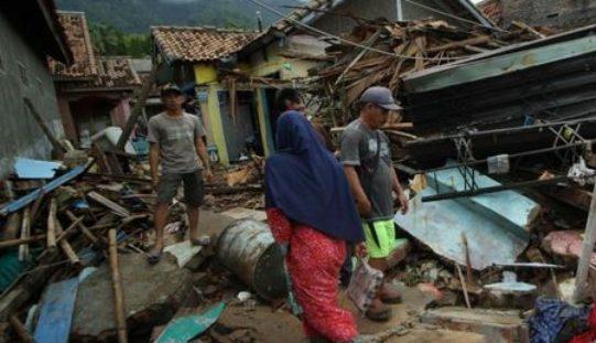 Indonesia: Fear of a health crisis following Tsunami