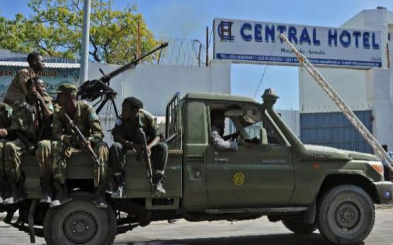 Suicide attack targets Somali officials in hotel, kills at least 25 dead
