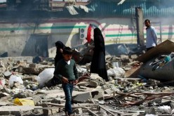 Yemen: A dozen civilians killed in new Saudi strikes (UN is warning of a humanitarian catastrophe)