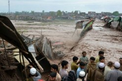 Pakistan: at least 53 dead and 60 injured in weather