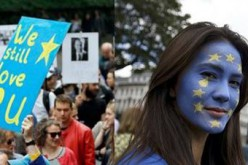 """"""" We love you, EU """"Thousands of Britons declare their love to the European Union"""
